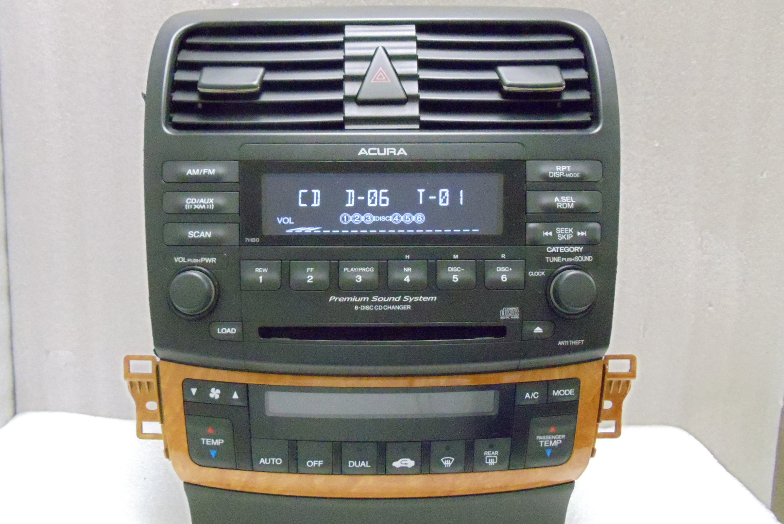 ACURA TSX XM Radio Stereo 6 CD changer Climate Temp ...